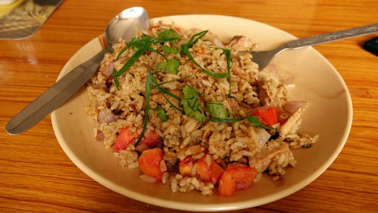 Индийское рисовое блюдо приготовленное нам в Namche Bazaar.